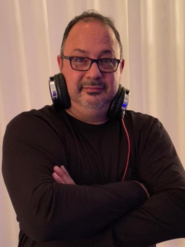 DJ COSTA